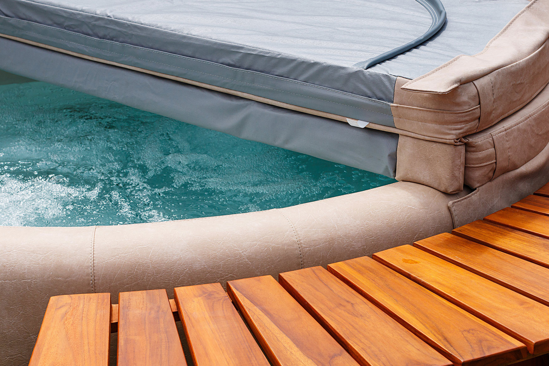 8 things you should never do to your hot tub cover - Buds Spas & Pools