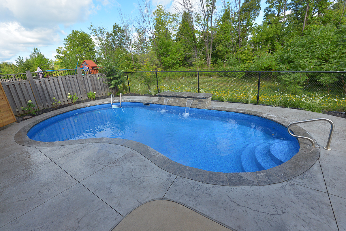 Crescent straight back kidney-shaped pool