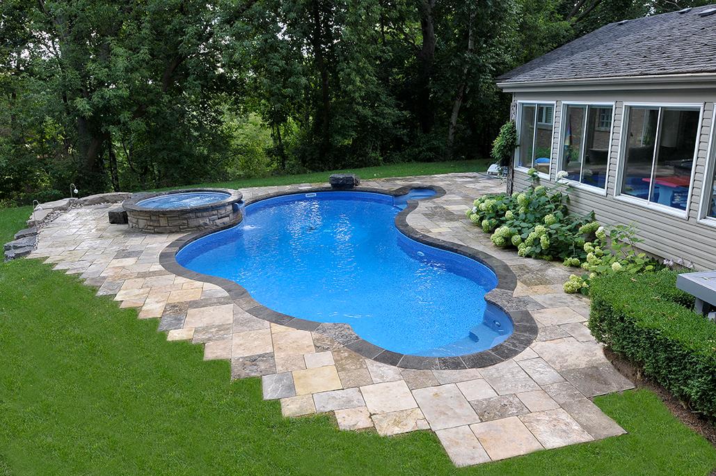 Free-form pool shape