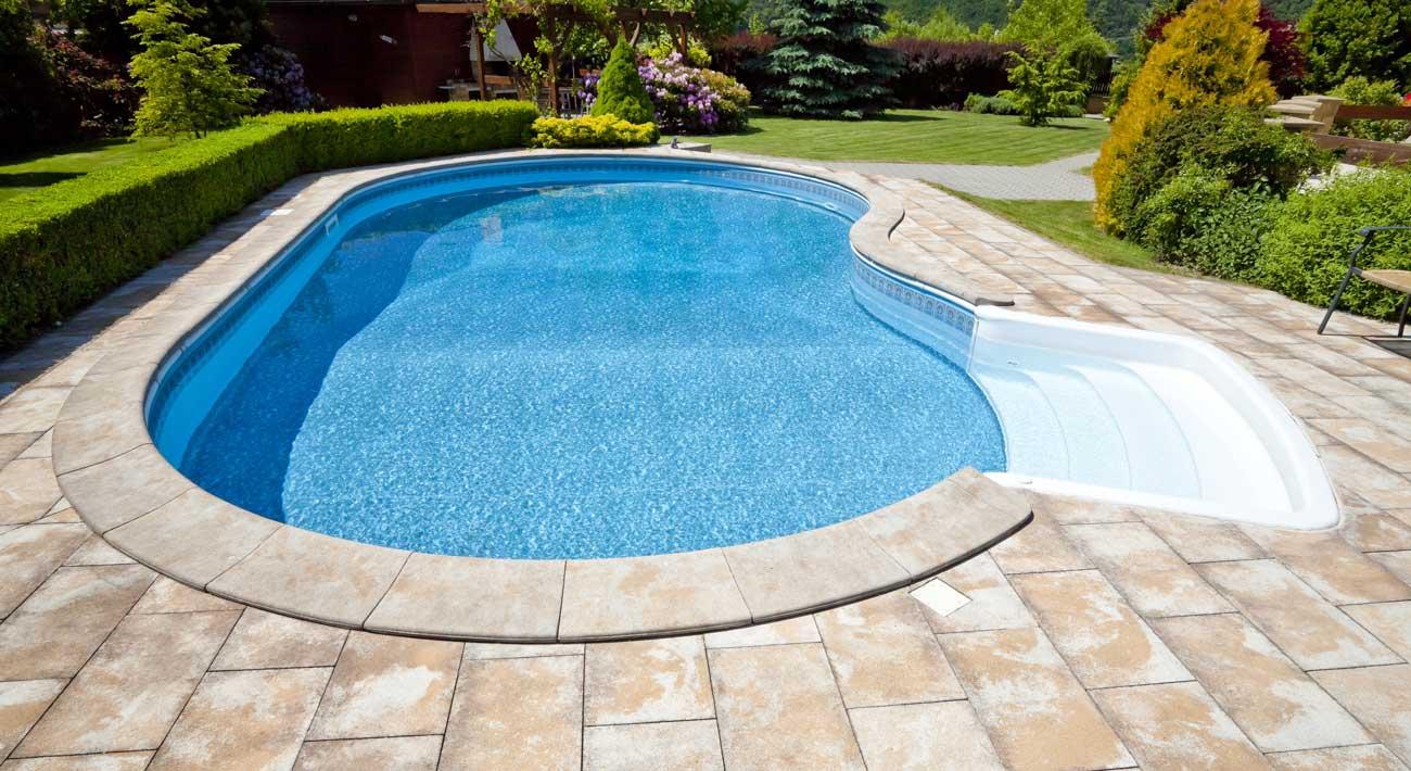 bullnose-coping-inwall-fiberglass-pool-steps-Buds