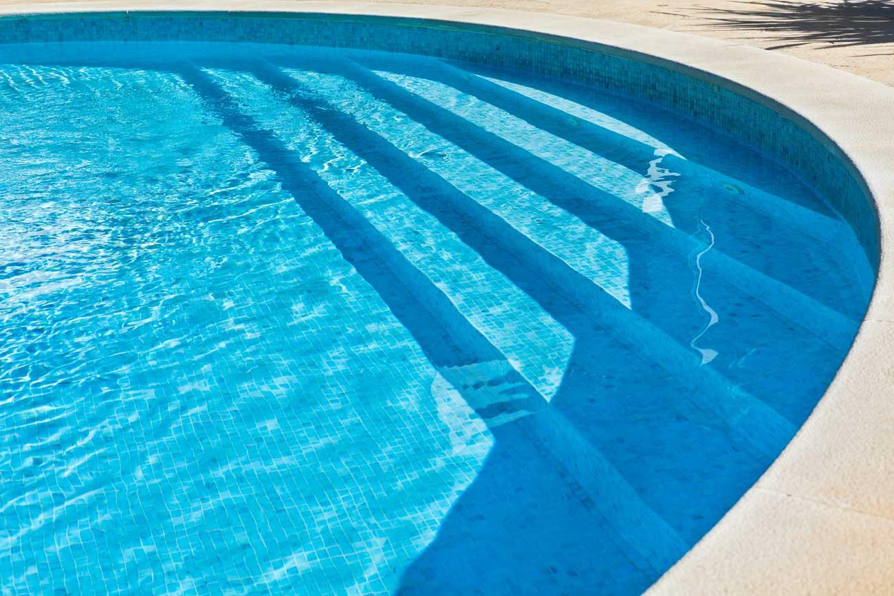 vinyl-over-steel-inground-pool-steps-Buds
